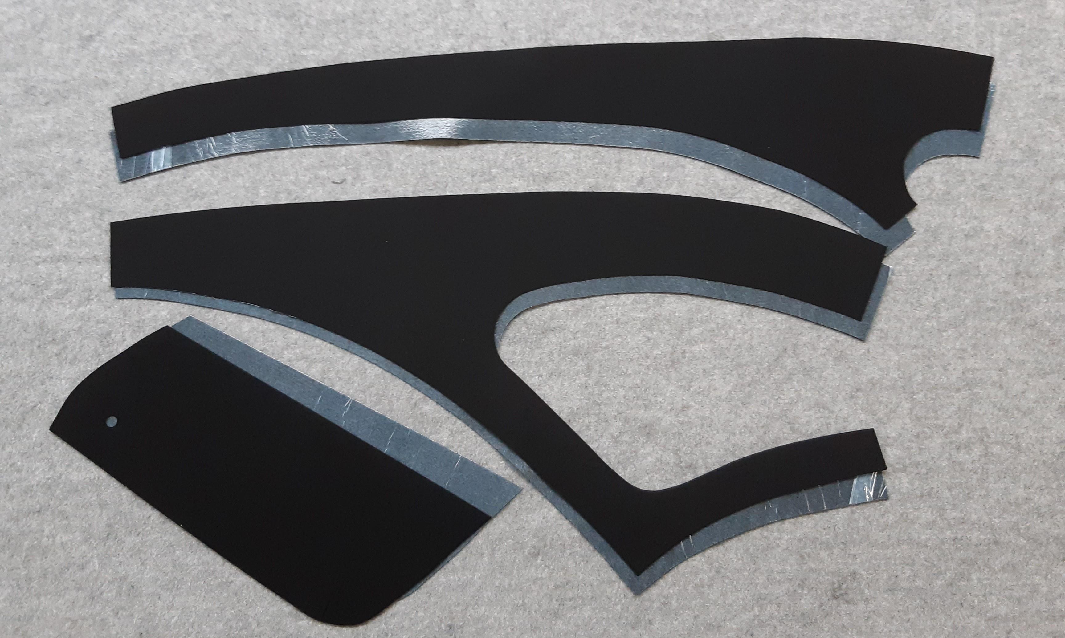 Seitenverkleidung Innen für 2CV aus schwarzem Nadelvlies selbstklebend
